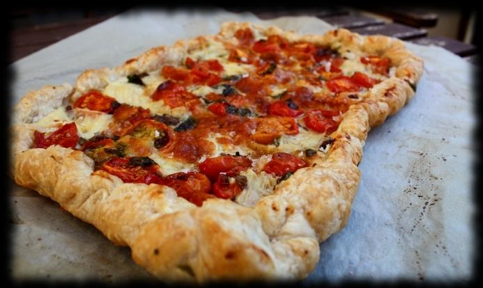 Hojaldre de tomates secos y queso de cabra