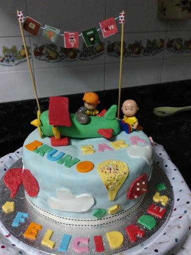 "Tarta Caillou para ""Bruno y Sara"""
