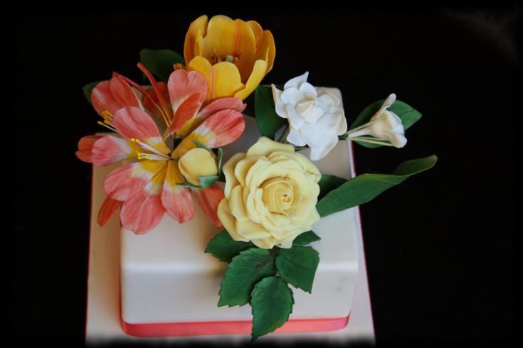 Tarta con flores con Yocuna