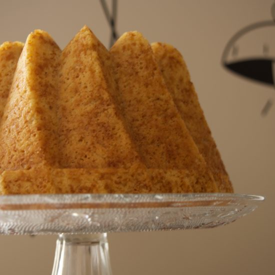 Bundt cake limón, jengibre y pimienta blanca